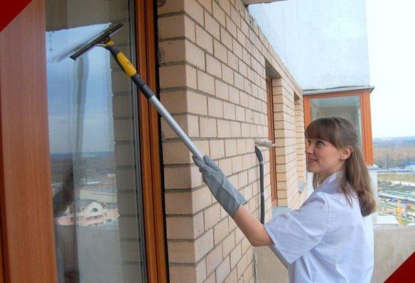 Мытье окон в квартирах и загородных домах.
